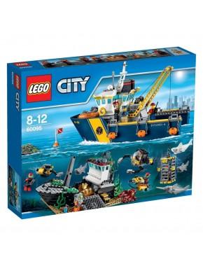 Конструктор LEGO City Supplementary Корабль исследователей морских глубин (60095)