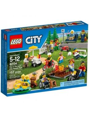 Конструктор LEGO City Веселье в парке для жителей города (60134)