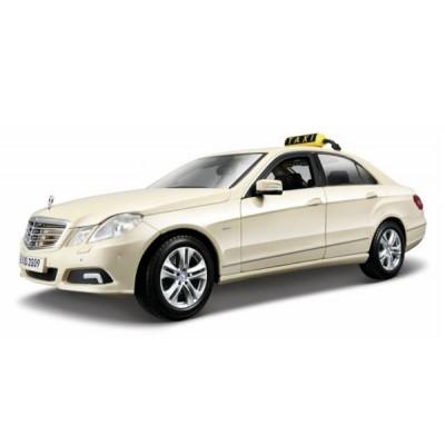 Автомодель Maisto (1:18) Mercedes Benz E-Class German Taxi  Светло-жёлтый