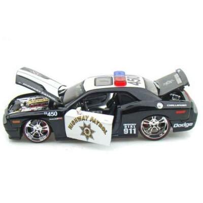 Автомодель Maisto (1:24) 2008 Dodge Challenger SRT8 (Rescue Force) Чёрно-белый
