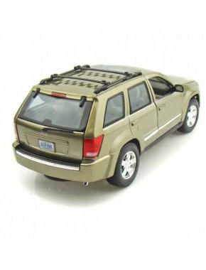 Автомодель Maisto (1:18) Jeep Grand Cherokee Бежевый