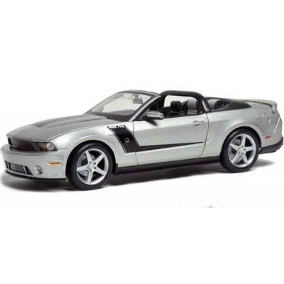 Автомодель Maisto (1:18) Ford Mustang Convertible 2010 Roush 427  Серебристый